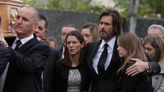 Demandan a Jim Carrey por homicidio negligente