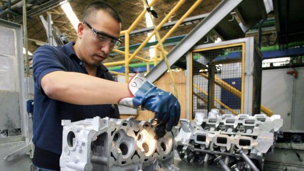 Nemak, la mayor proveedora de autopartes de aluminio para autos ligeros mantiene su producción en EE.UU.