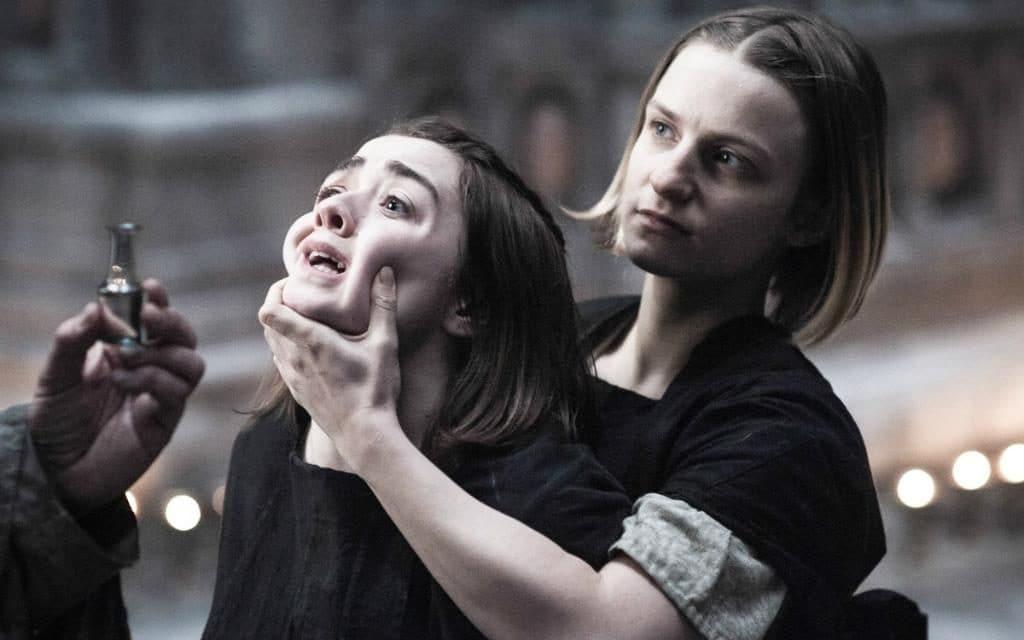Maise Williams habló de la escena final de Arya — Game of Thrones