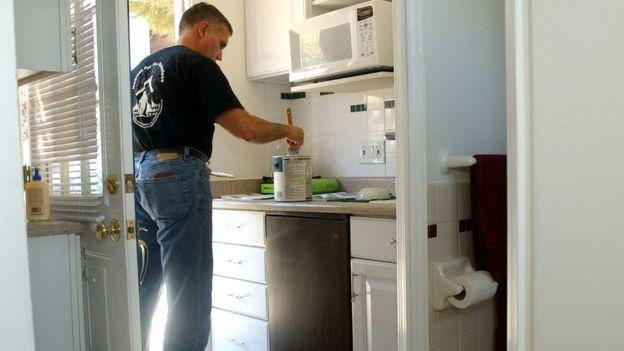 El estudio sugiere que las cocinas pintadas de blanco venden menos.