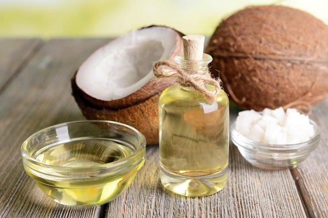 El aceite de coco disminuye el apetito y reduce el peso.