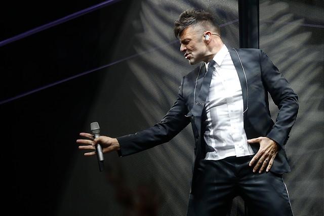 Ricky Martin suspende concierto del jueves 27