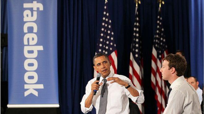 Obama es considerado el primer presidente en usar el potencial de las redes sociales. De manera pública ha sostenido varias reuniones con el creador de Facebook.