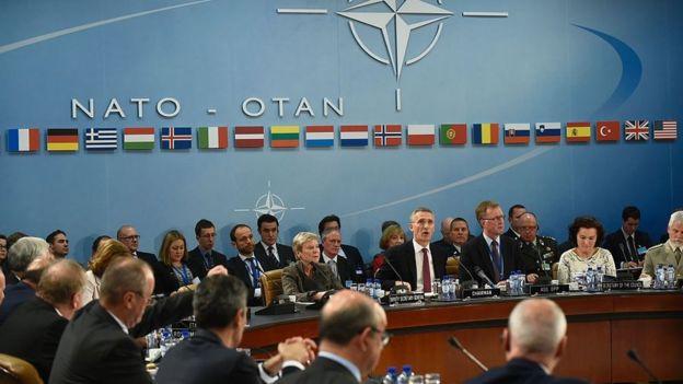 Tras la caída del Muro de Berlín, la OTAN se expandió para incluir a países procedentes del mundo comunista.