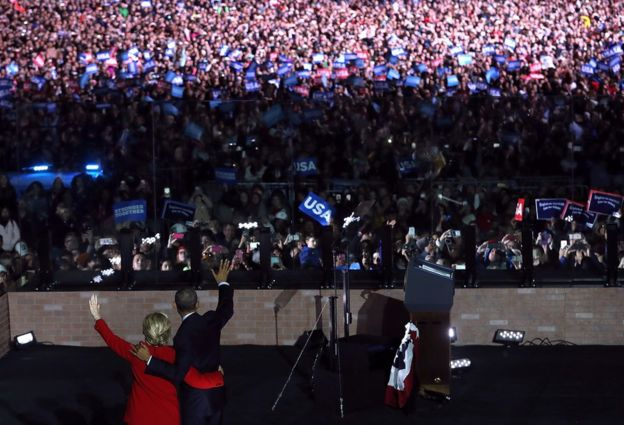 Barack Obama se involucró personalmente en la campaña por la presidencia de EE.UU. de la demócrata Hillary Clinton.
