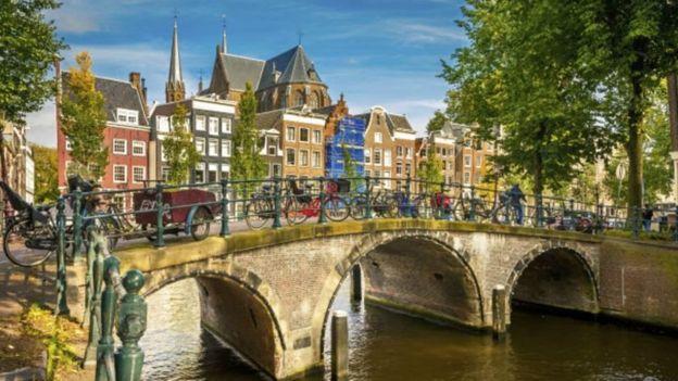 Quienes quieran visitar Amsterdam tendrán que dejar registro de sus datos personales antes de su ingreso desde 2020.