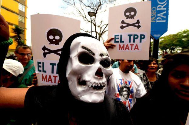 """En su mensaje, el presidente electo de EE.UU., Donald Trump, dijo que el TPP era un """"desastre potencial"""" para su país."""