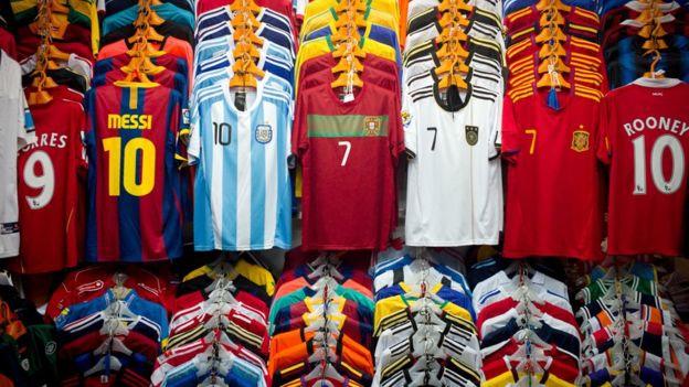 En 2012, la Unión Europea le pidió a China se reforzara sus controles para frenar el flujo de productos falsificados.