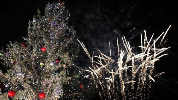 La luces de navidad son otro producto cuyo precio podría aumentar de llegar a desatarse una guerra entre Estados Unidos y China.