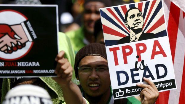 Tras la victoria de Donald Trump, muchos críticos del TPP dieron por muerto el acuerdo.