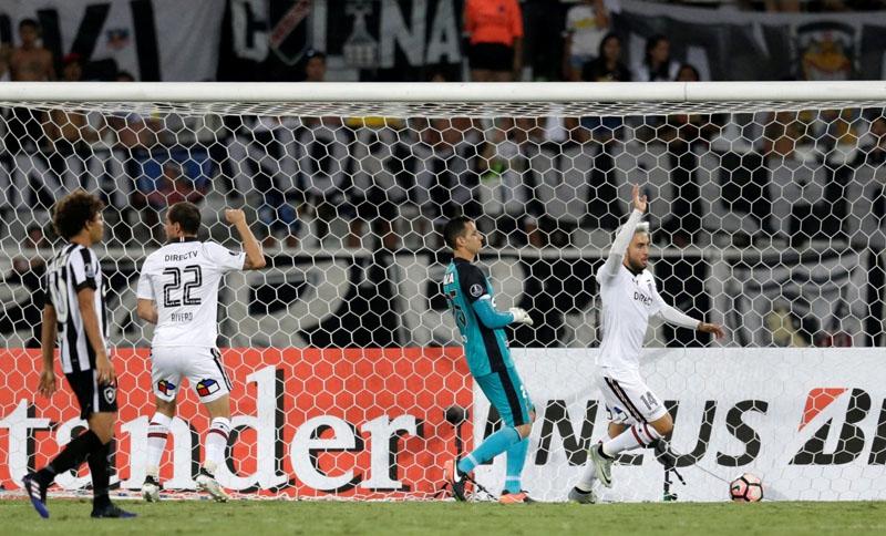 Colo Colo cae ante Botafogo en su estreno en la Copa Libertadores 2017