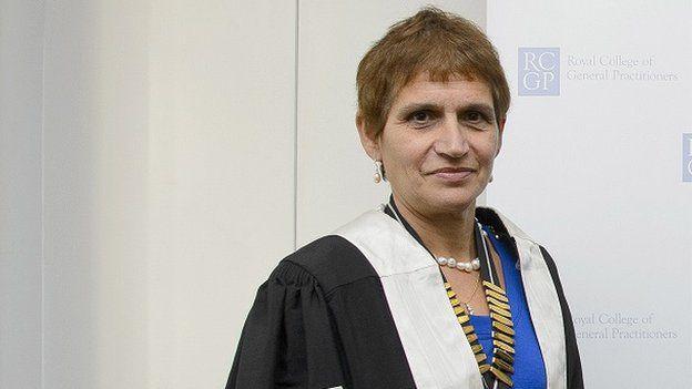 Clare Gerada lleva 40 años trabajando para el servicio nacional de salud británico.