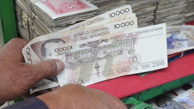 Ecuador cambió su moneda nacional por el dólar y es particularmente dependiente de Washington.