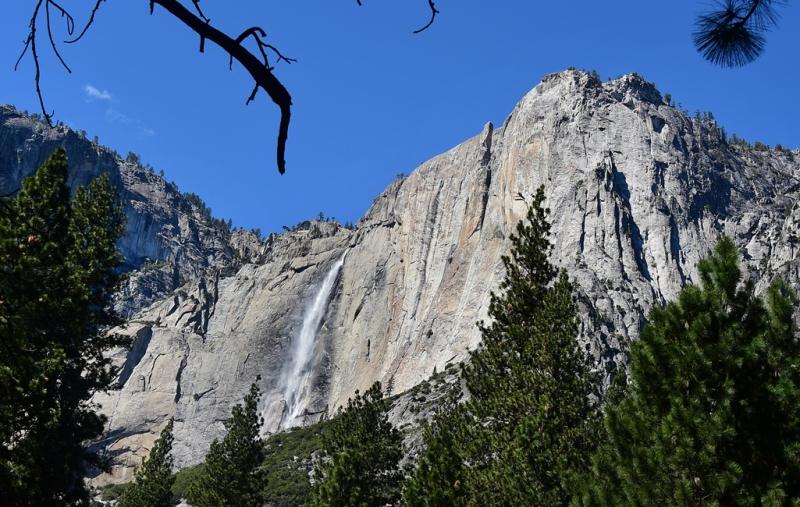 """El salto de agua """"Cola de Caballo"""" en el Parque Yosemite."""