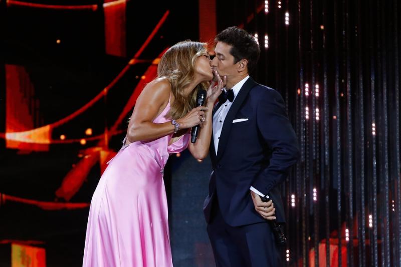 Este fue el beso entre Carolina de Moras y Rafael Araneda