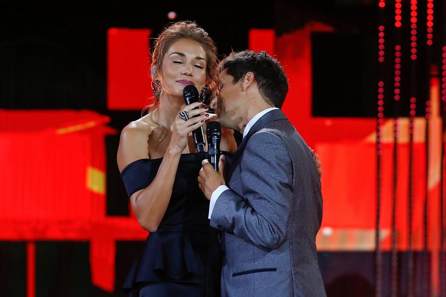 Carolina de Moras y Rafael Araneda en la cuarta noche de Viña 2017