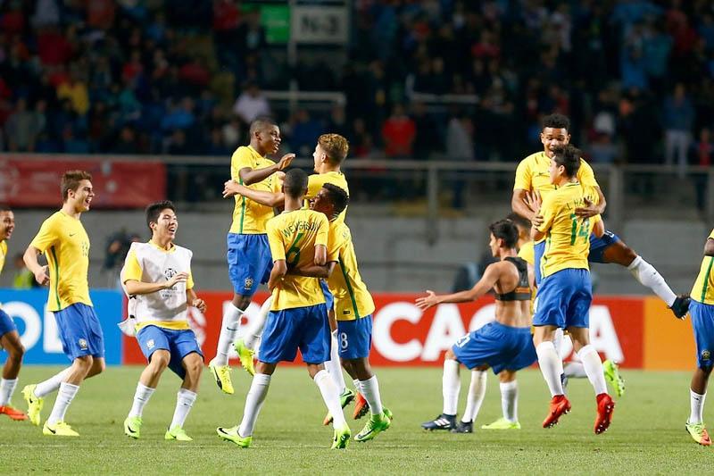 Chile sufre goleada ante Brasil en el cierre del Sudamericano Sub 17