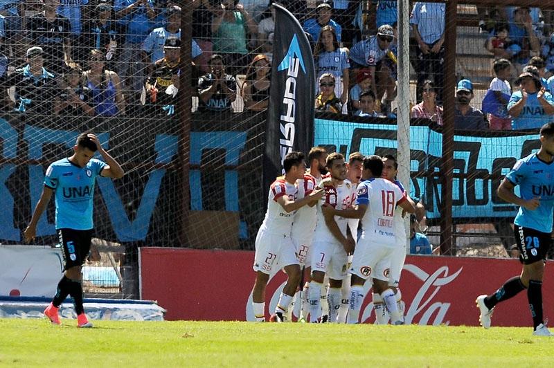 Iquique reacciona a tiempo para salvar un empate ante Unión Española
