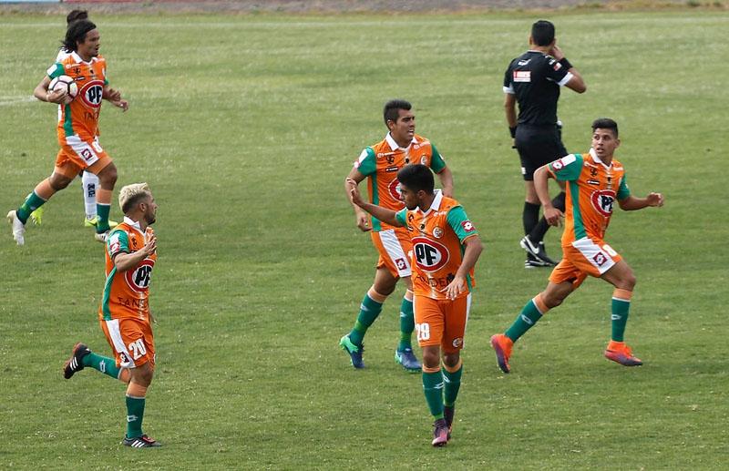 Palestino venció 3-2 a Cobresal este domingo en el Estadio Municipal de La Cisterna, por la undécima fecha del Torneo de Clausura 2017.  Con ambos elencos peleando nada en el actual certamen, su atención se centra en la Tabla General Acumulada, donde los
