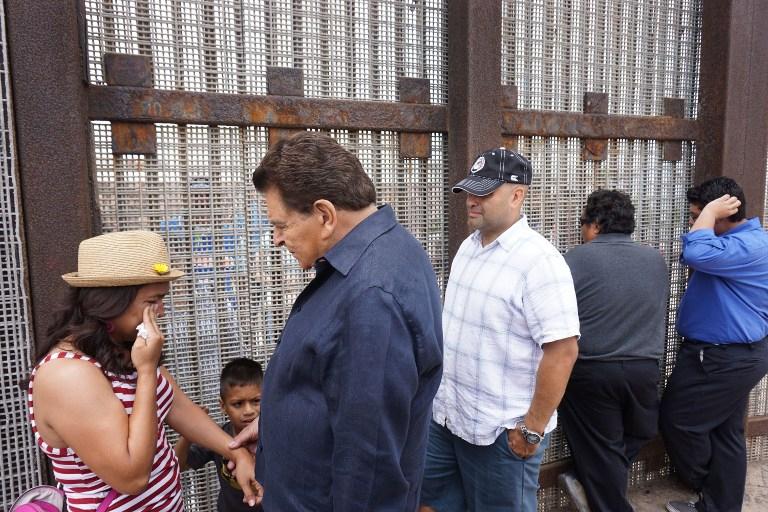 """Don Francisco cuando hizo el documental """"Rostros de la frontera"""""""