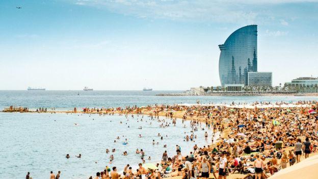 Turismofobia las ciudades en pie de guerra contra el for Destinos turisticos espana