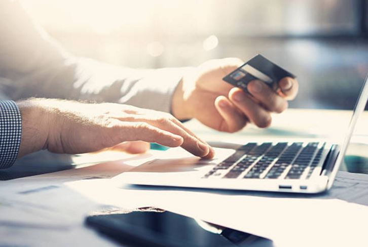 Bancos Santander y Estado presentan falla en sus plataformas digitales