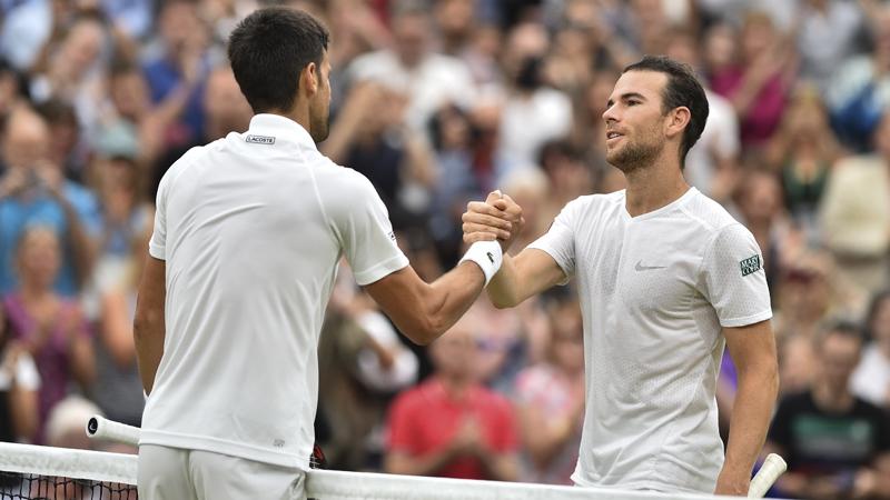 Federer avanza a semifinales en Wimbledon