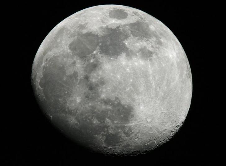 Científicos aseguran que la luna tiene agua en su interiror