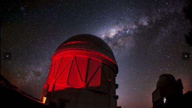 Hacen mapa de la materia oscura en el universo