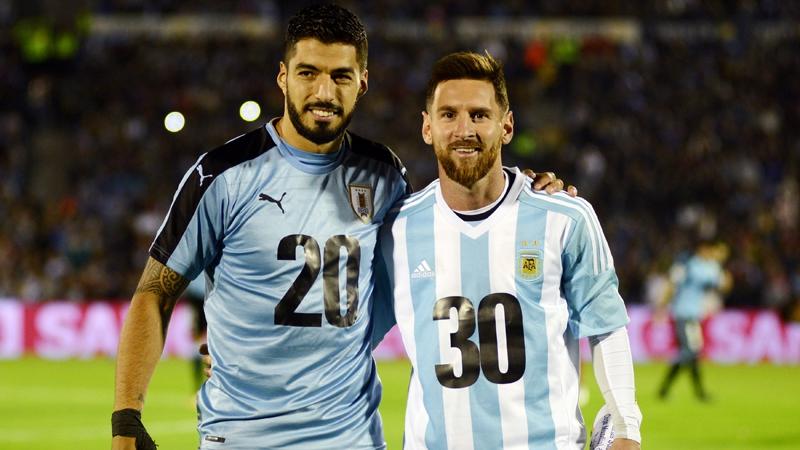 Suárez y Messi presentando la candidatura el Mundial     Reuters