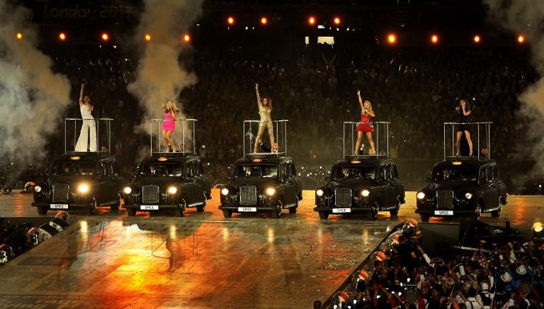 Por dinero, Victoria Beckham participará en reencuentro de las Spice Girls