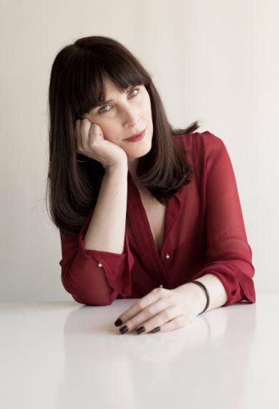 Kika Neumann tiene 42 años y destaca en el mundo del diseño de vestuario
