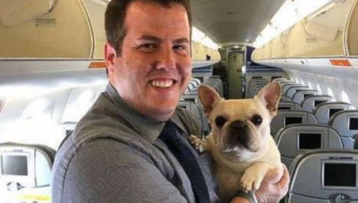 Le salvaron la vida a una perra en pleno vuelo