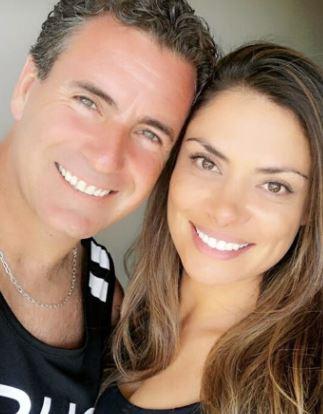 Briceño junto a su pareja colombiana
