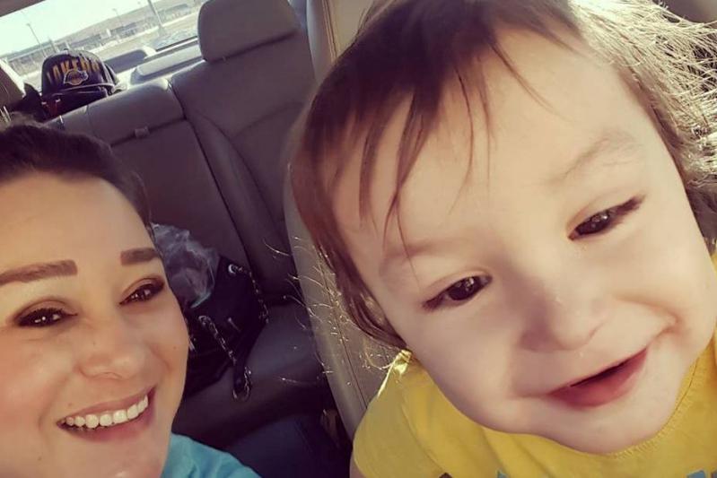 Mata a su hijo de 2 años por mojar la cama
