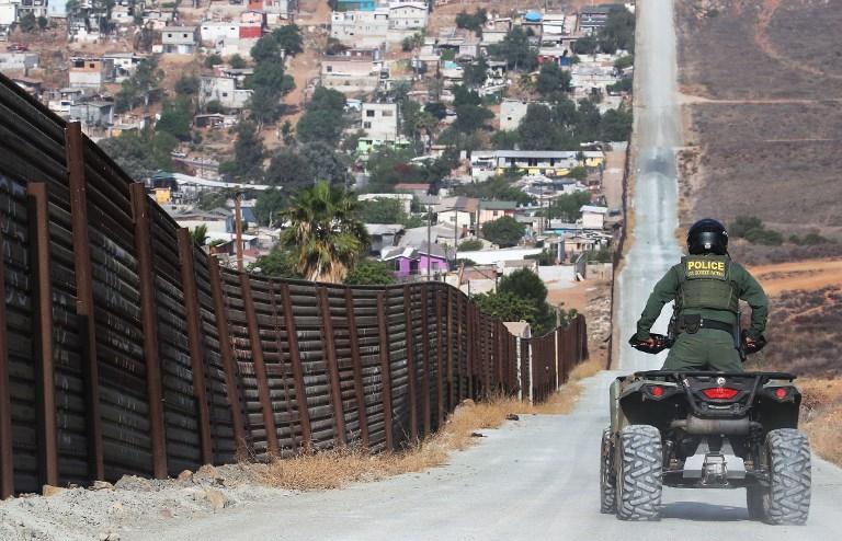 """""""Mami nunca viene"""": las calamidades que sufren los niños en la frontera de EEUU"""