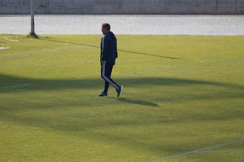 [FOTOS] Técnico de la U Frank Kudelka visita Memorial del Estadio Nacional