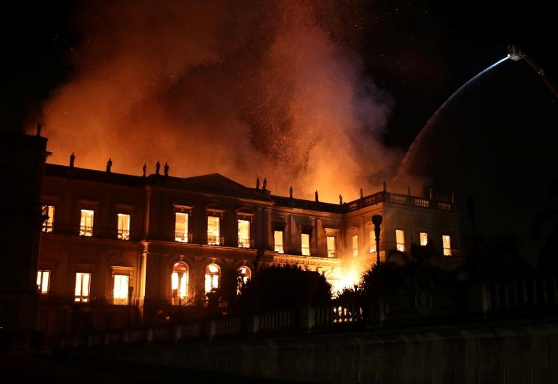 Un gran incendio destroza el Museo Nacional de Río de Janeiro (vídeo)