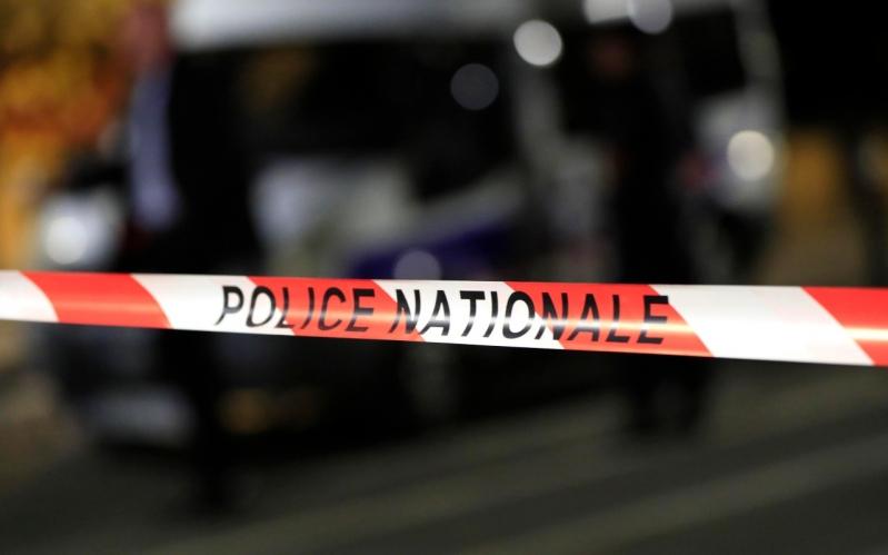 Un hombre armado con un cuchillo hirió a siete personas — París
