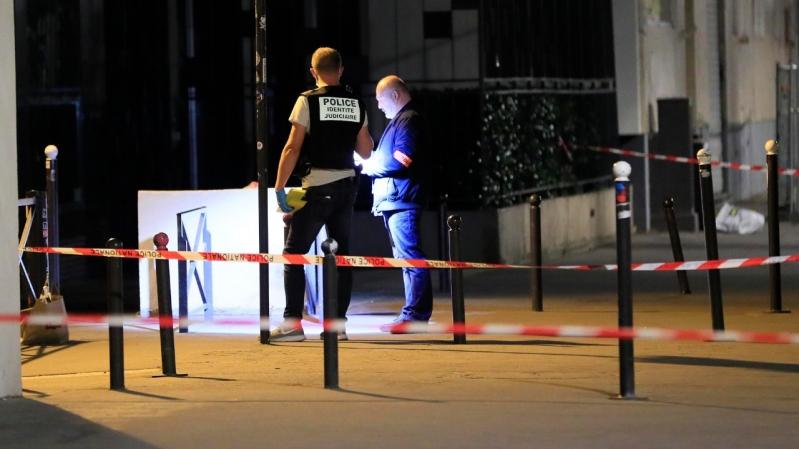 Un apuñalamiento masivo en París deja siete heridos