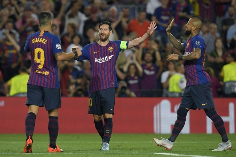 De izquierda a derecha: Luis Suárez, Lionel Messi y Arturo Vidal.