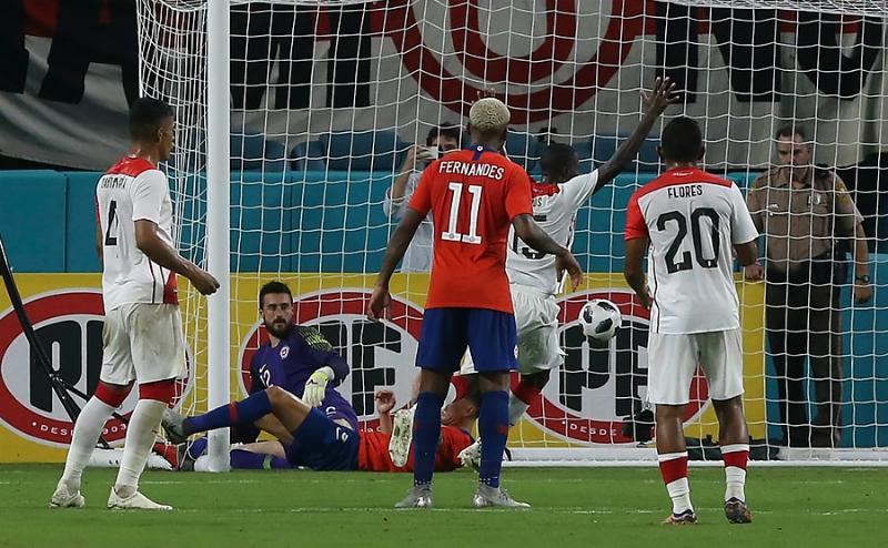 La Roja sufre dura caída ante Perú en el peor partido de la era de Reinaldo Rueda