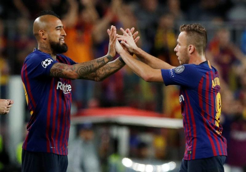 Arturo Vidal suma minutos en triunfo de FC Barcelona sobre el Inter por la Champions League