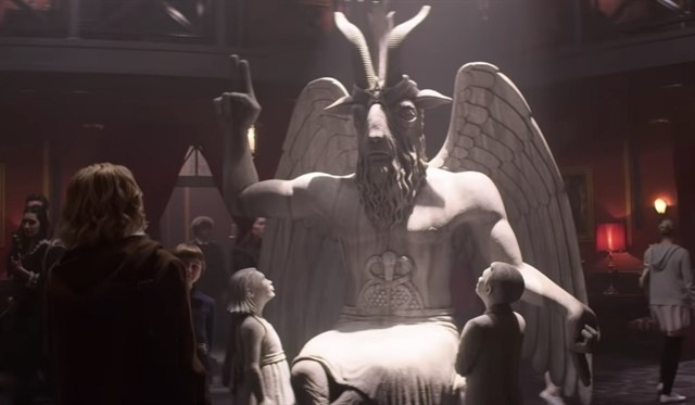 La estatua de Baphomet es una deidad parecida a una cabra que simboliza el ocultismo