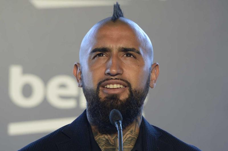 Arturo Vidal pone fecha para rapar su mohicano
