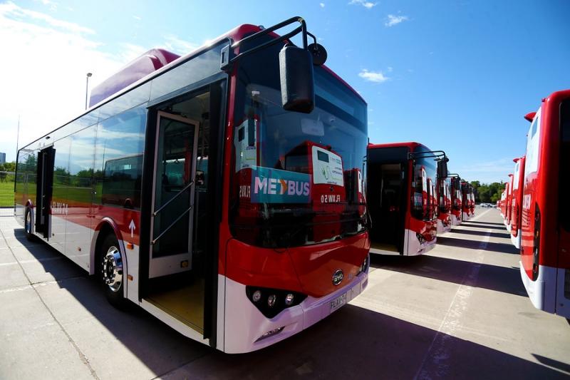 Buses eléctricos debutarán este sábado en Santiago