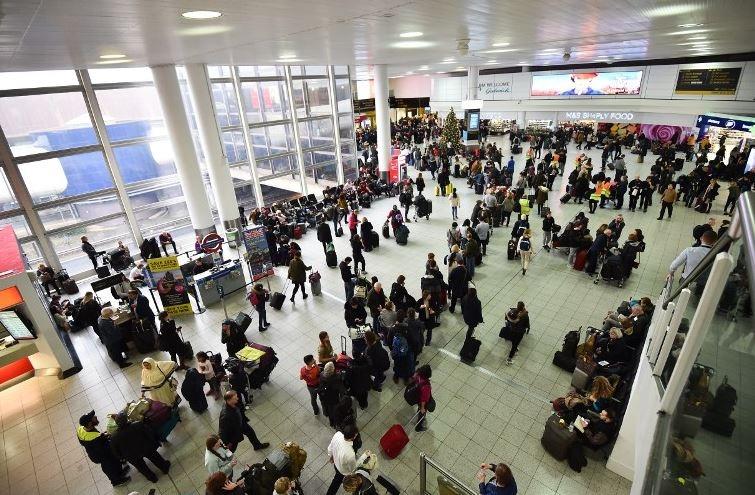 Cierran aeropuerto en Londres por alta presencia de drones
