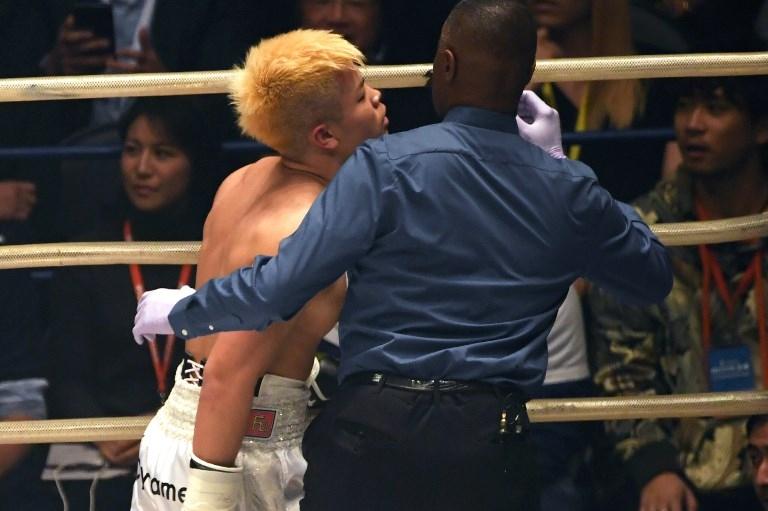 Floyd Mayweather le dio una paliza al campeón invicto de kickboxing