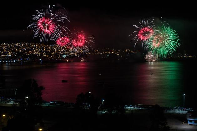 Los Fuegos Artificiales De La Region De Valparaiso Tele 13