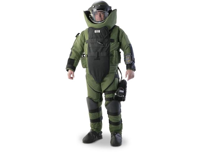 As son los trajes antibombas que utiliza el GOPE